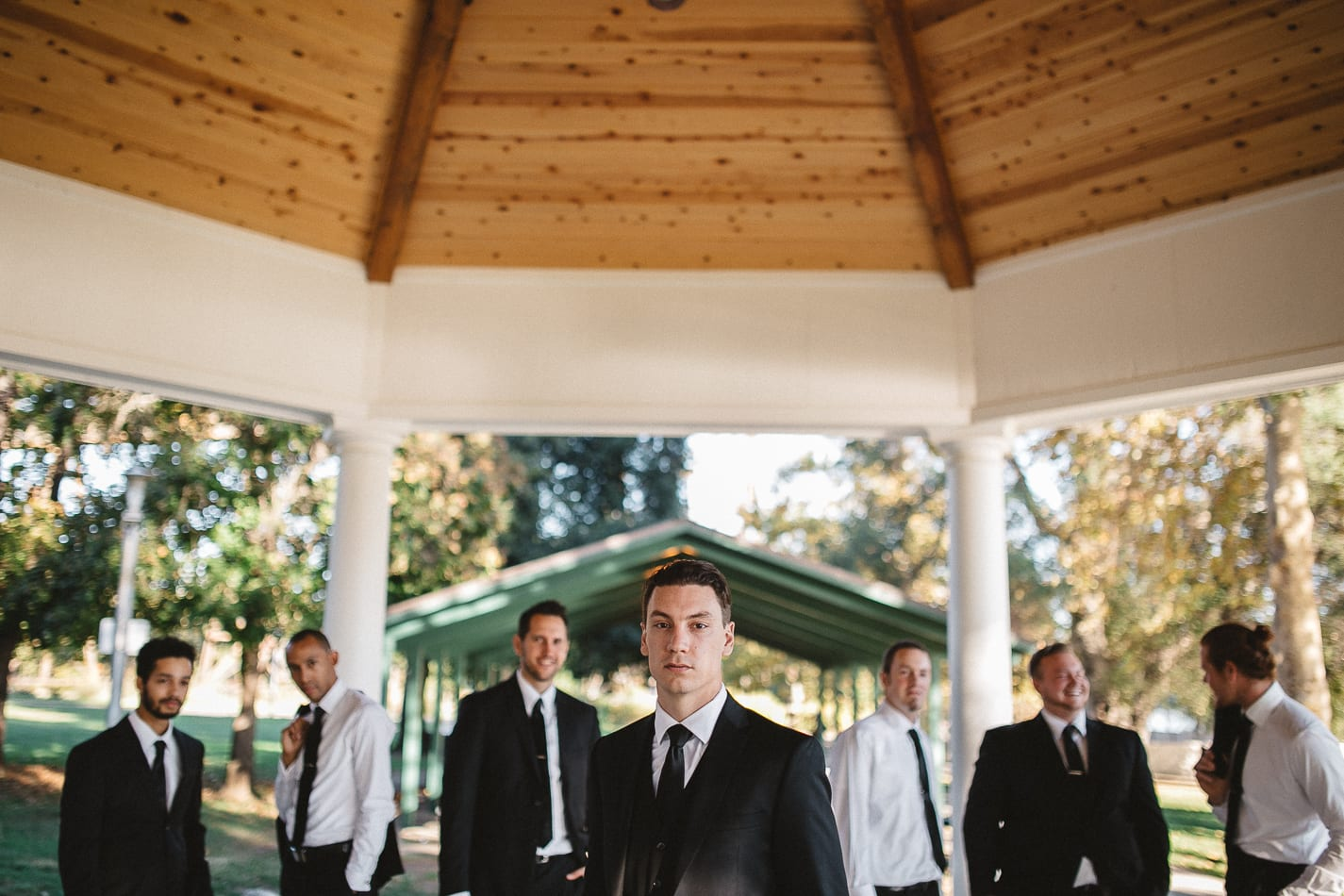 lake-redding-park-diesel-horse-bridge-view202-california-wedding-photographer-11