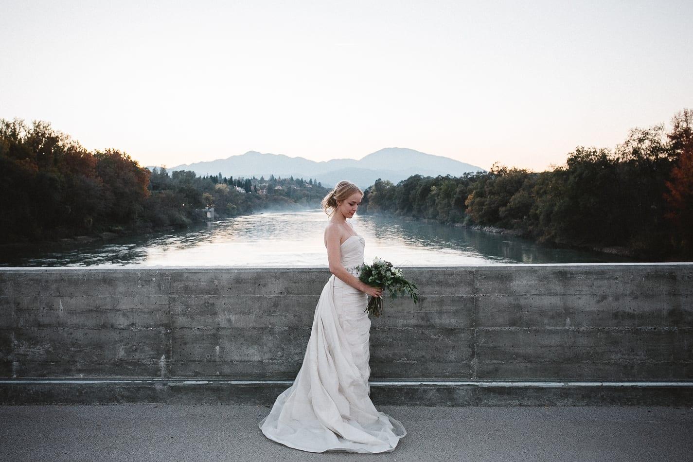 lake-redding-park-diesel-horse-bridge-view202-california-wedding-photographer-12