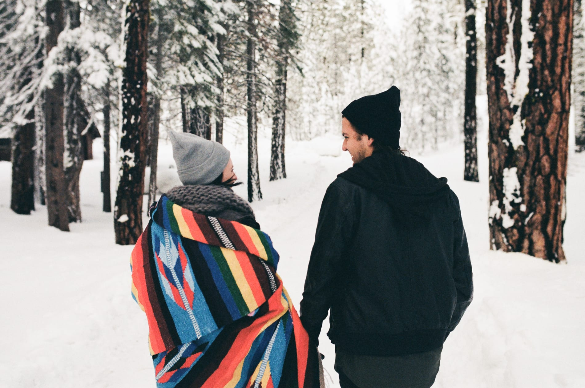 mt-lassen-winter-snow-couples-photo-1