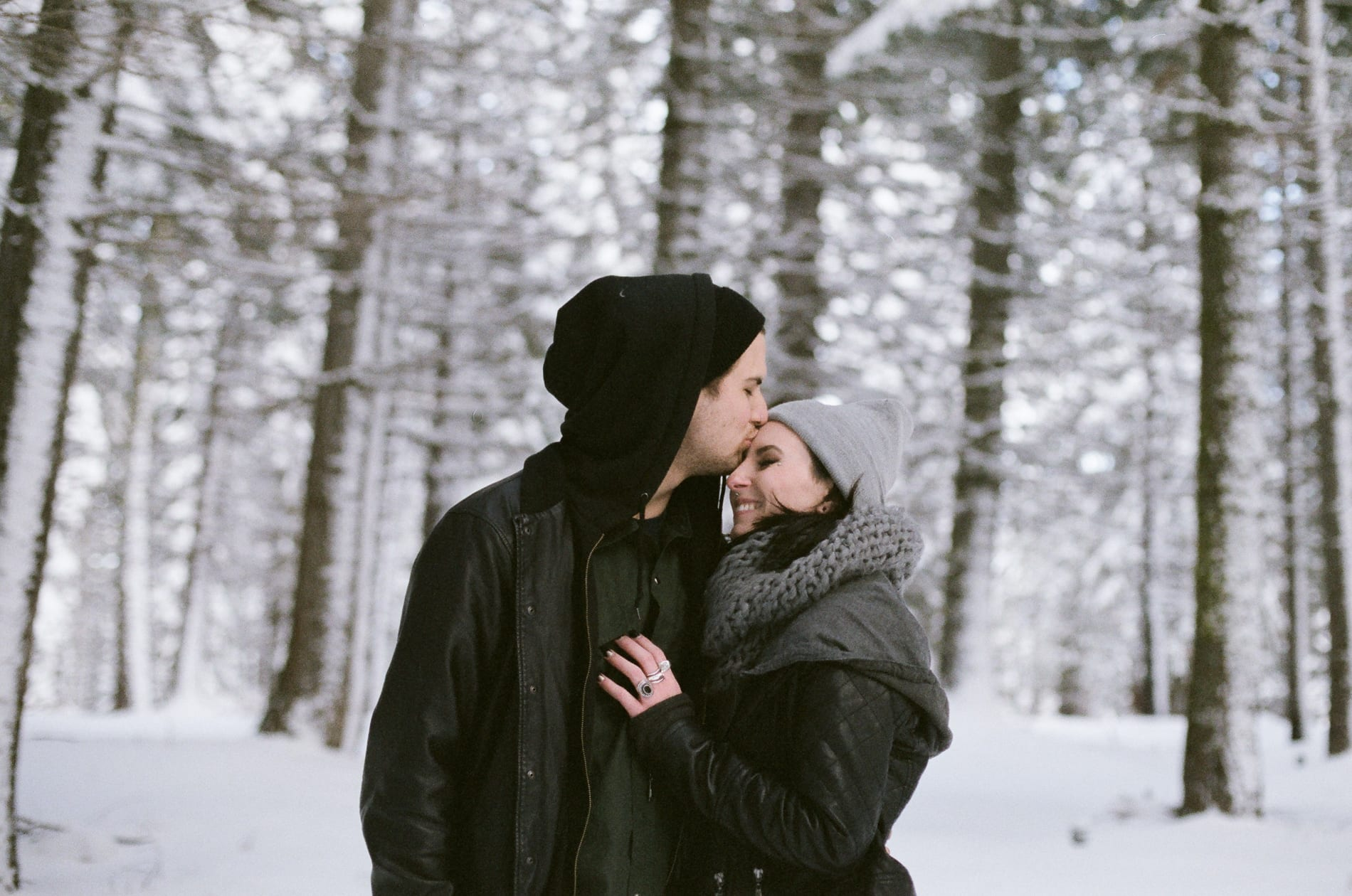 mt-lassen-winter-snow-couples-photo-18