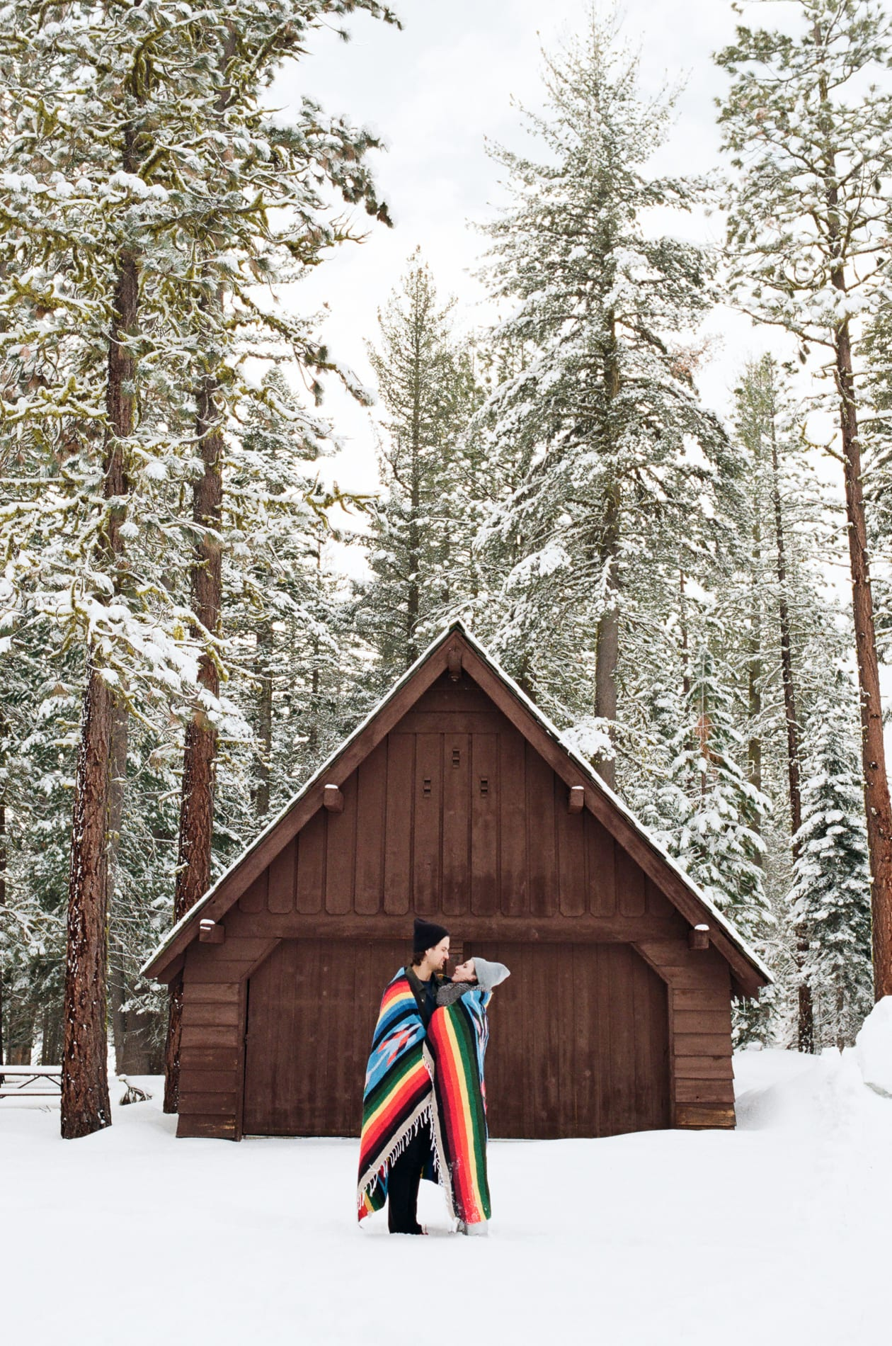 mt-lassen-winter-snow-couples-photo-4