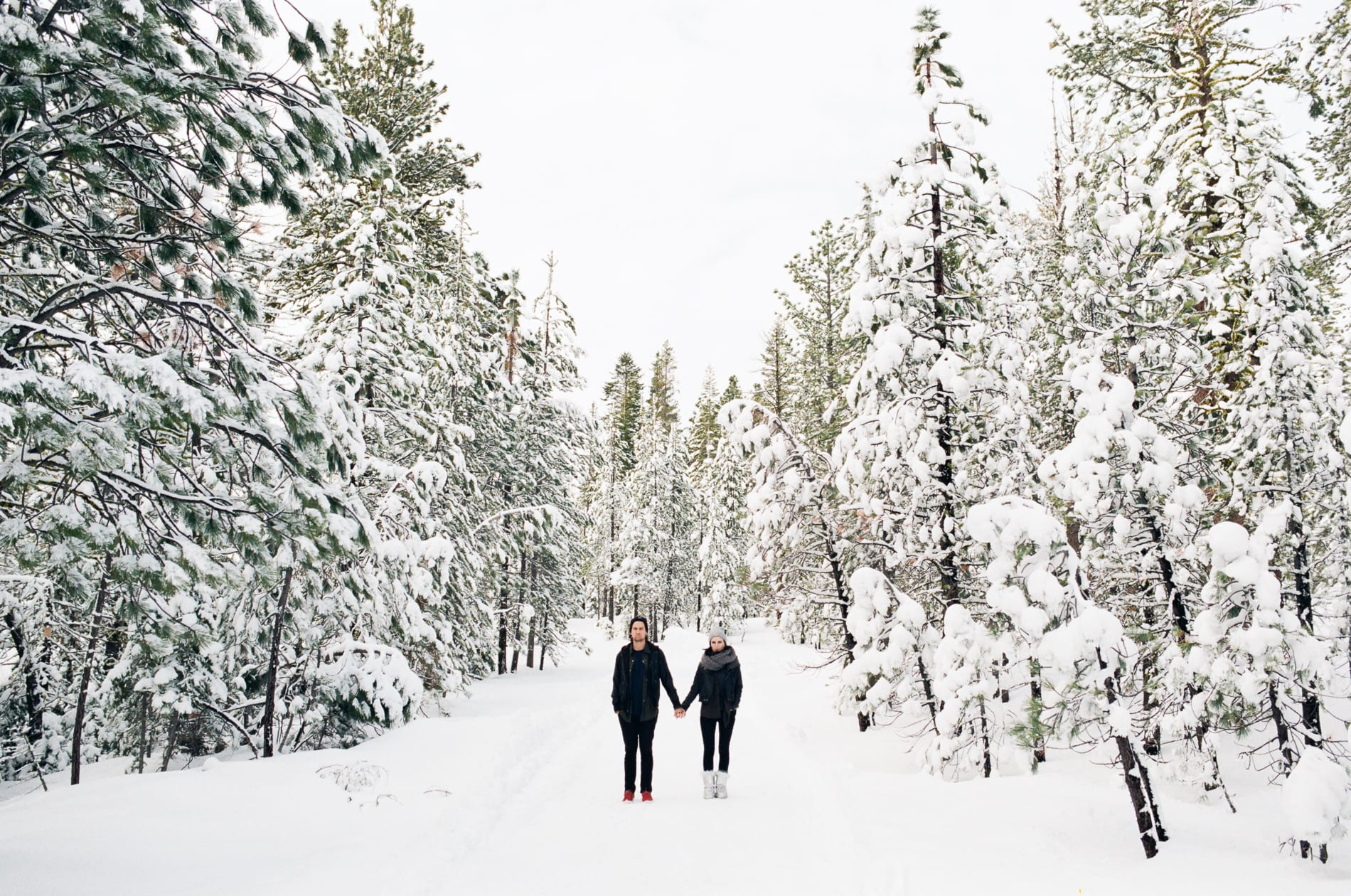 mt-lassen-winter-snow-couples-photo-6