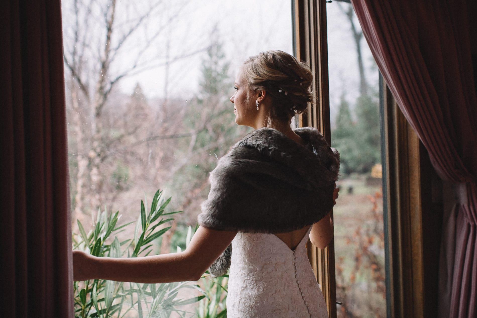 morrow-ranch-round-mountain-wedding-photo-14