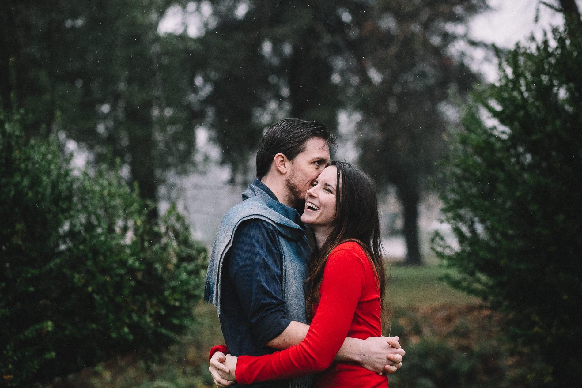 redding-caldwell-lake-park-gazebo-couples-photo-8