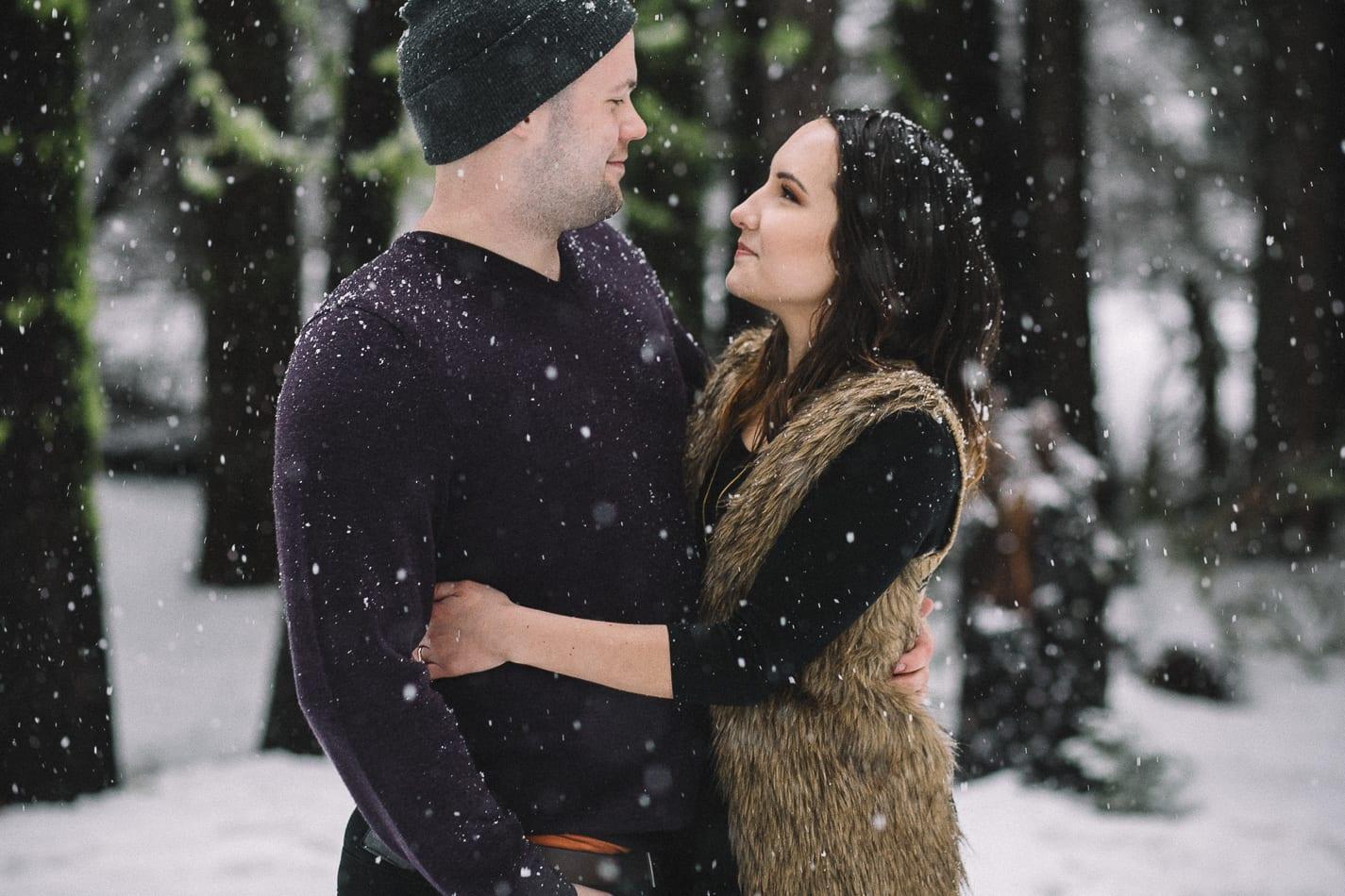mount-lassen-winter-engagement-photo-5