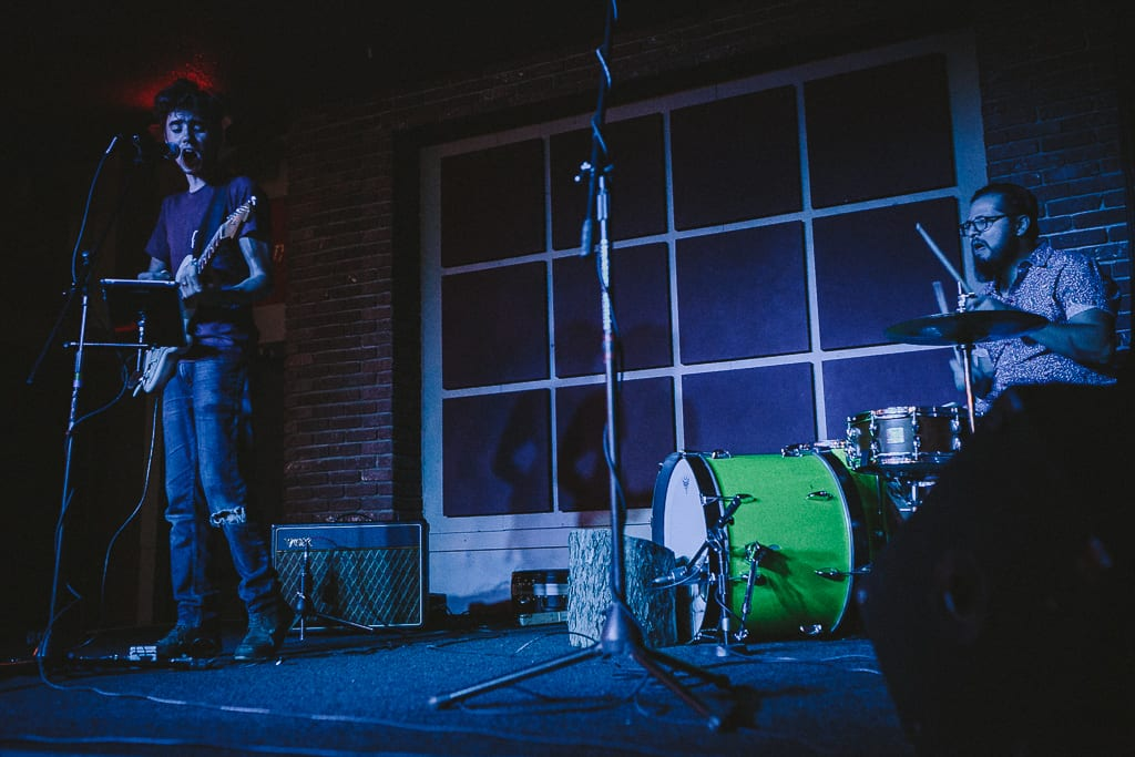 the-dip-redding-nightlife-live-music-shows-photography-11