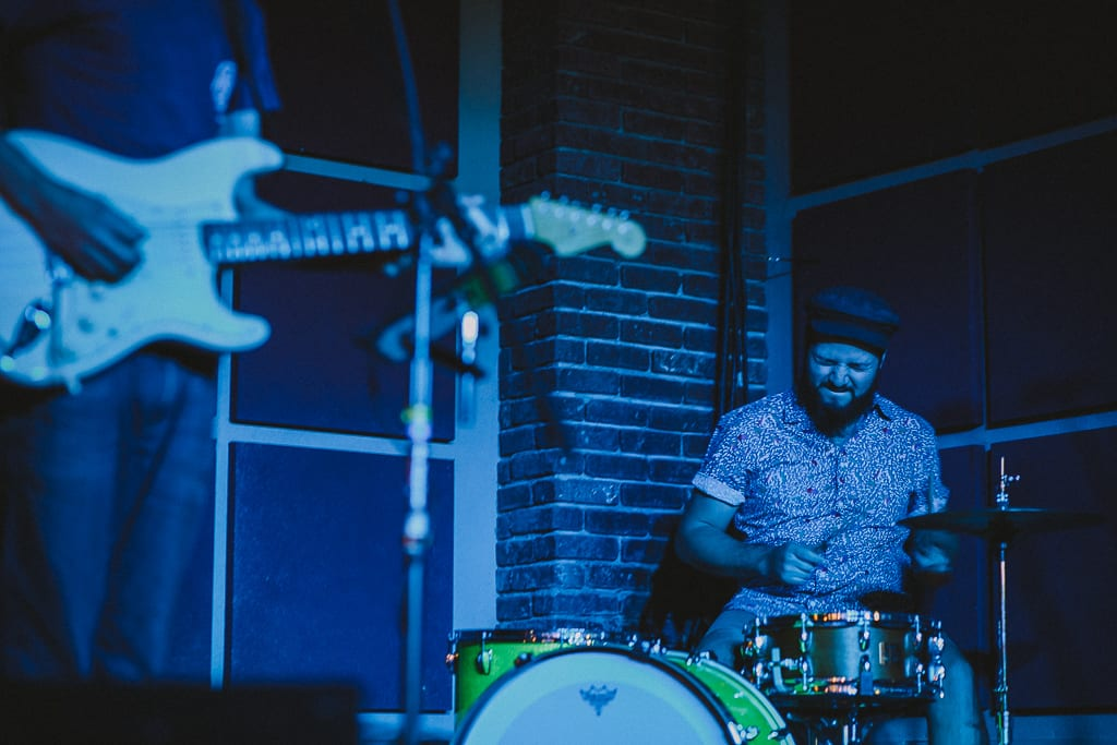 the-dip-redding-nightlife-live-music-shows-photography-6