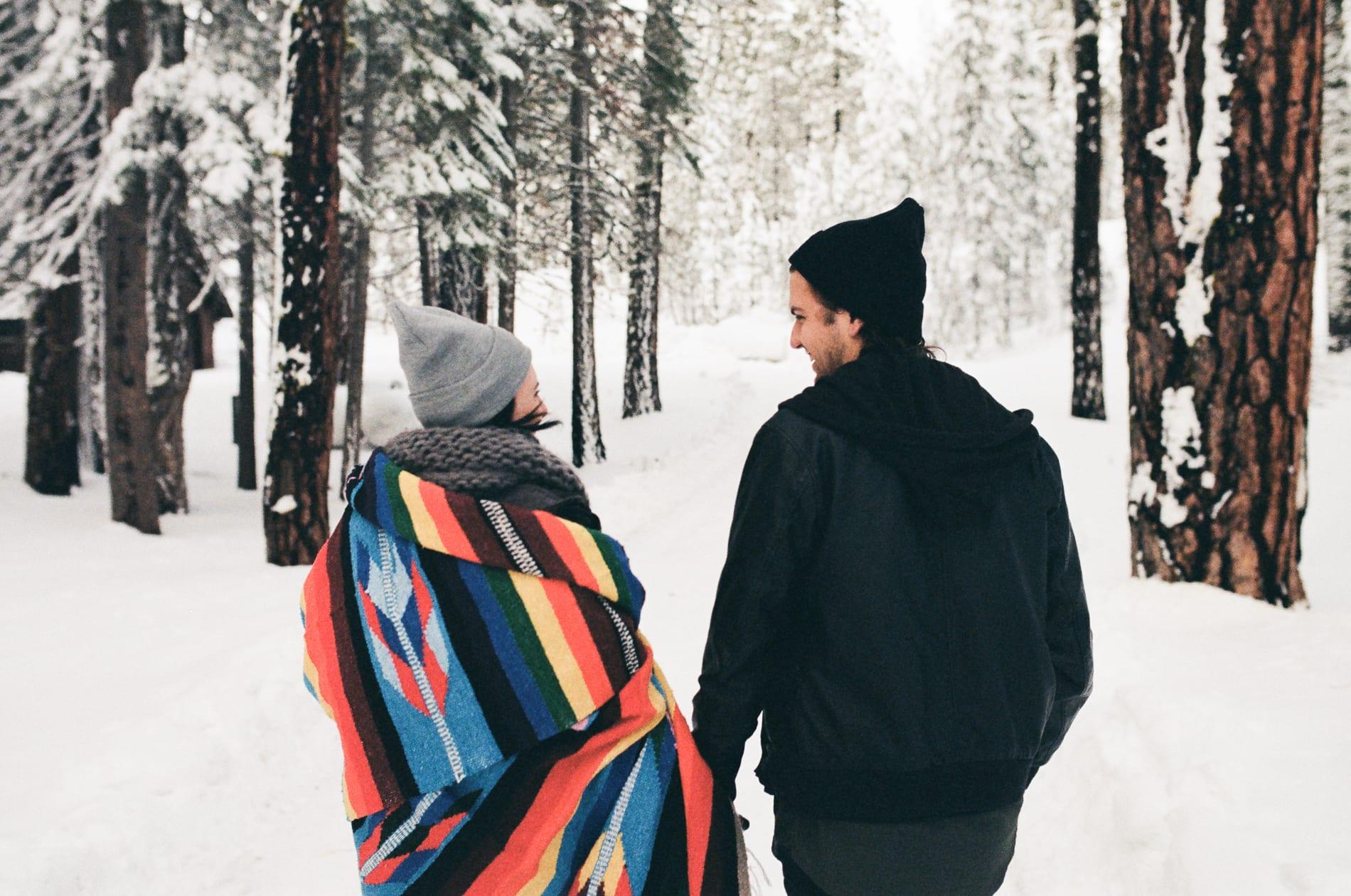 mt-lassen-winter-snow-couples-photo-1