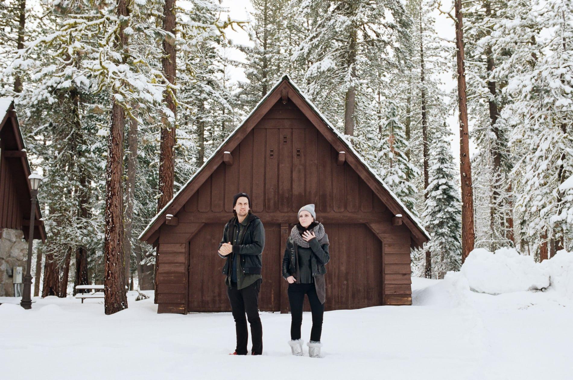 mt-lassen-winter-snow-couples-photo-5