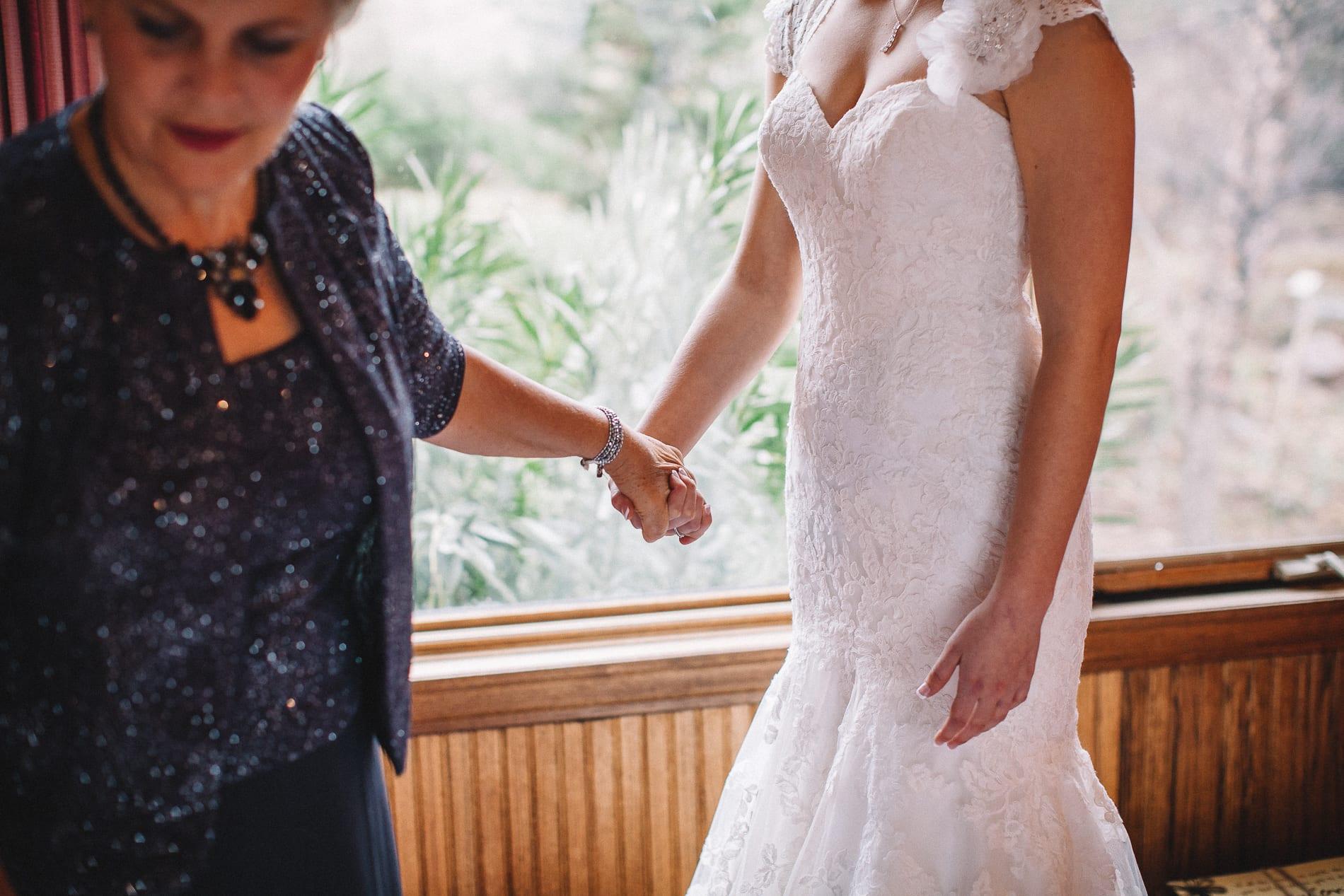 morrow-ranch-round-mountain-wedding-photo-10