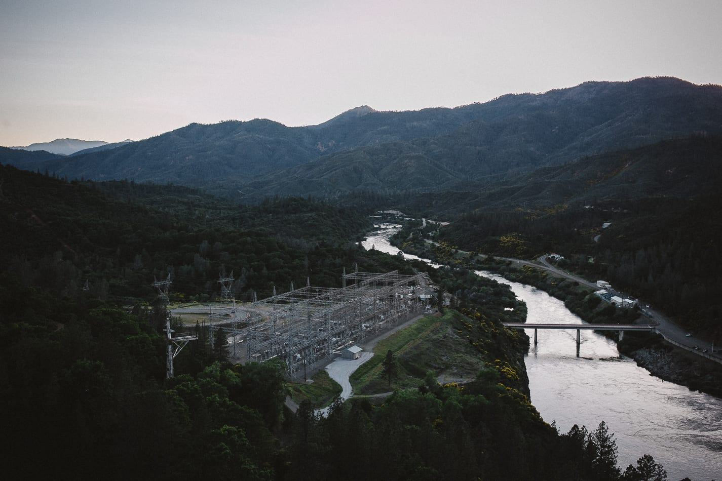 shasta-dam-california-lifestyle-portrait-photographer-3